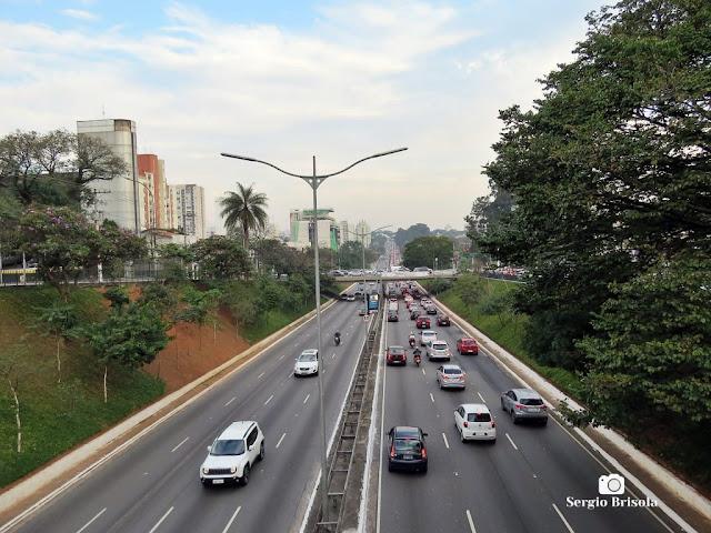Vista de trecho da Avenida Rubem Berta - Indianópolis - São Paulo