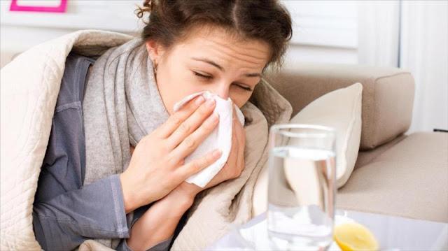 El aspecto que podría empeorar tu resfriado: la soledad
