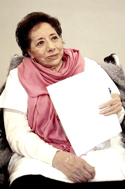 #YoMeQuedoEnCasaLeyendo #Poesía El retorno de Electra, de Enriqueta Ochoa