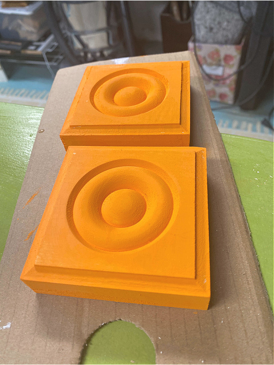 Painting 2 corner moldings orange