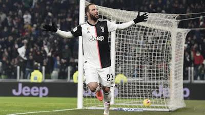 Gonzalo Hinguain Di Latihan Perdana Team Juventus