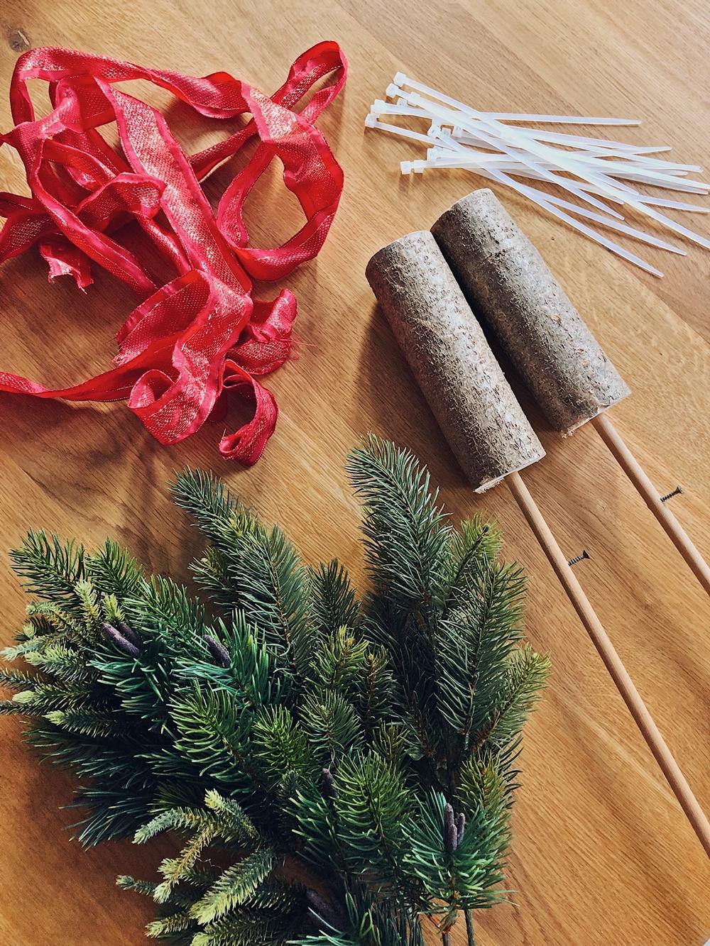 weihnachtsbaum aus tannengr n basteln ostseesuche com. Black Bedroom Furniture Sets. Home Design Ideas