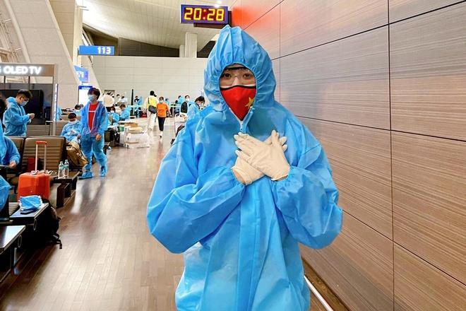 Khánh Vân đã về Việt Nam, cách ly 21 ngày