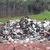 VERGONHA: Depois de abandonar a cidade de Manaquiri, agora põem em risco o meio ambiente, com lixeira a céu aberto próximo a igarapés.