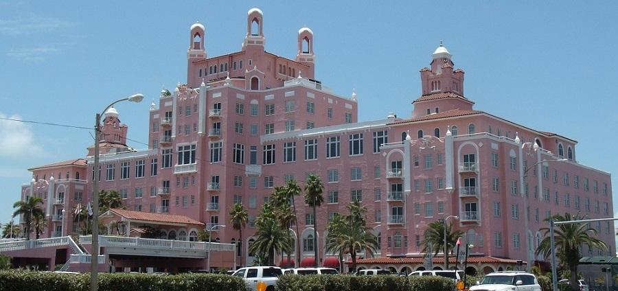 Loews Don Cesar Hotel en Pass-a-Grille, construido en 1928