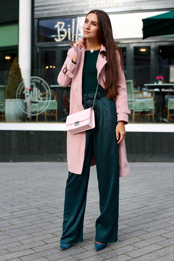 how to style a pink trench coat