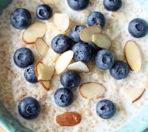 BLUEBERRY BREAKFAST QUINOA #healthy #protein