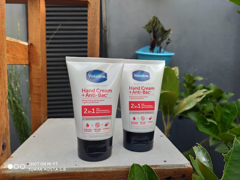 Review Vaseline Hand Cream + Anti Bac 2in1, Penyelamat Tangan Kering