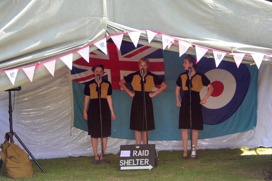 Havenstreet Railway 1940's weekend 2013 The three Bells