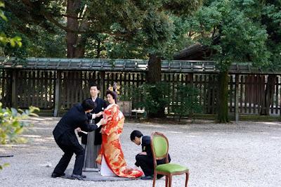 Wedding photoshoot at Meiji Shrine Tokyo Japan