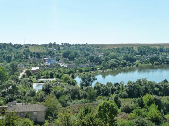 Вишневецкий дворец. Вид на озеро с балкона дворца