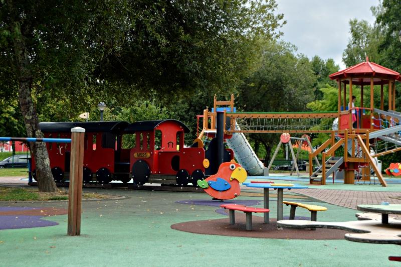 zona infantil parque do pasatempo betanzos