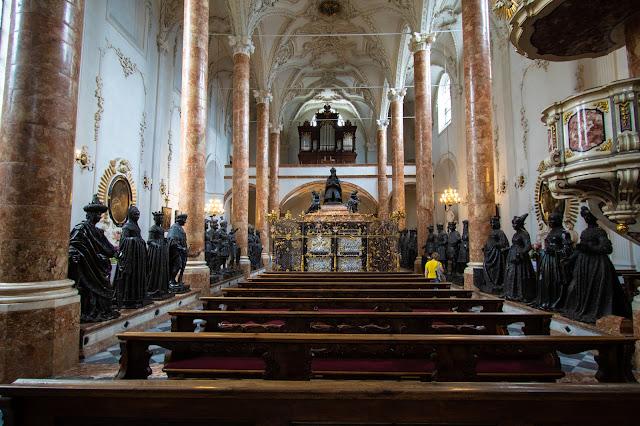 Hofkirke-Sarcofago di Massimiliano I-Innsbruck