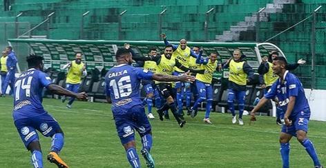 CSA goleia Juventude, garante vice e volta à Série A após 31 anos