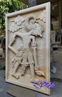 Ukiran relief dari batu paras jogja / batu putih gambar motif wayang werkudara