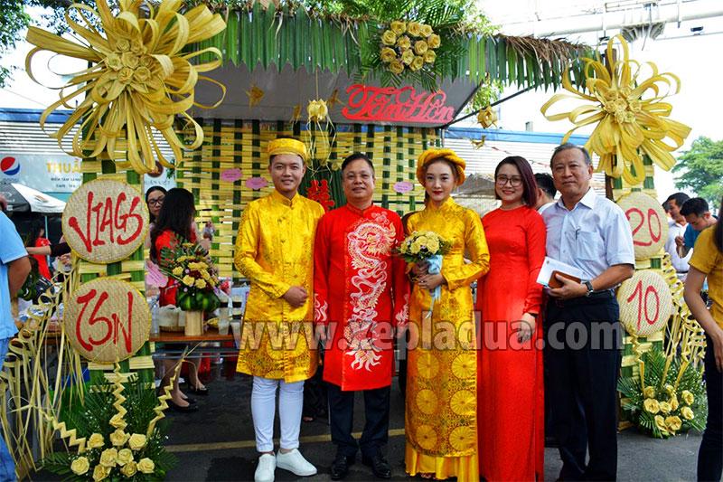 Dịch vụ làm cổng cưới lá dừa giá rẻ