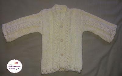 Blusinha de tricô para recém nascido