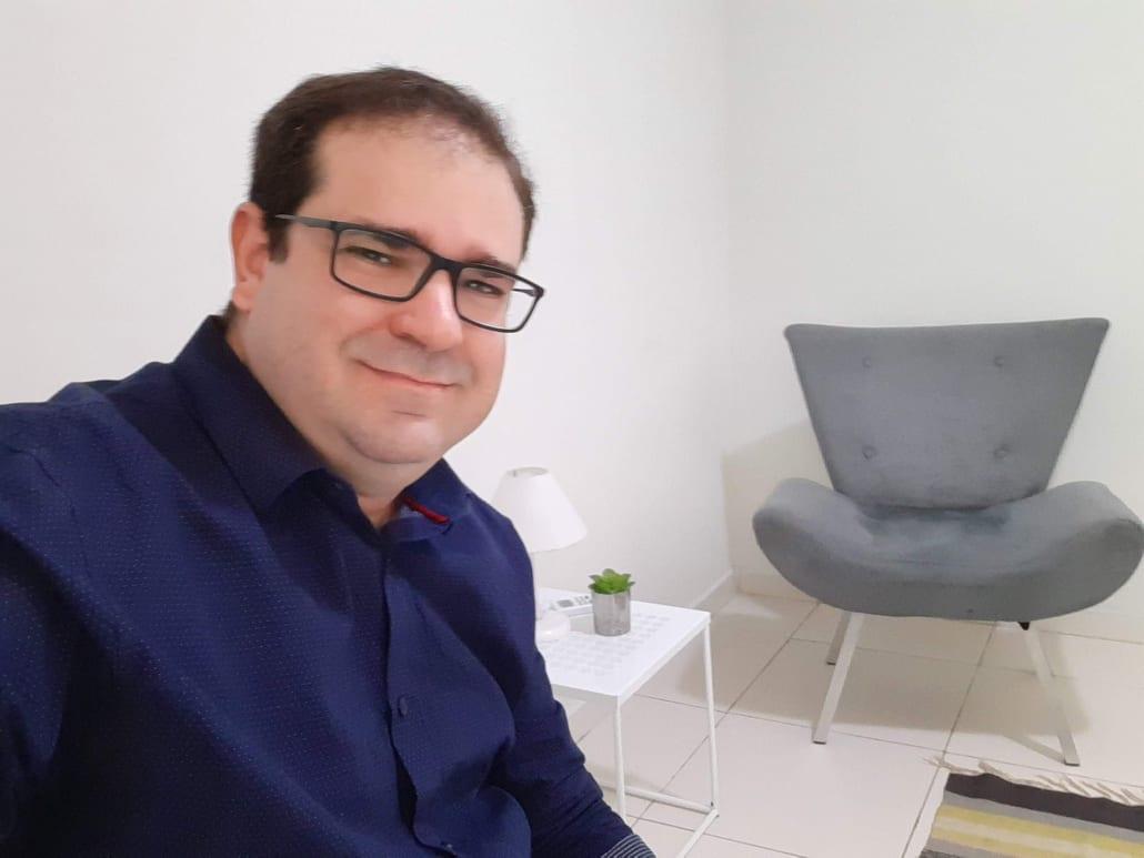 Psicólogo Tiago Dantas Martins