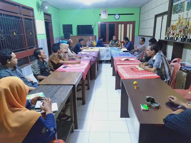 Babinsa Wonosari Hadiri Rapat Pembentukan Kepengurusan Karang Taruna