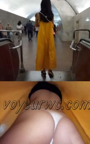 Upskirts 4349-4358 (Secretly taking an upskirt video of beautiful women on escalator)
