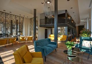Lobby Hotel The Serras