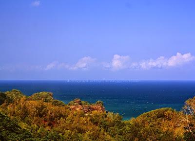 Foto Pantai pinggir jalan menuju Pantai Soge