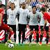 Sem inspiração, Alemanha para na defesa da Polônia e não sai do zero