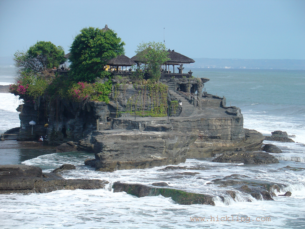 Falling Into Water Wallpaper Tanah Lot Extraordinary Island Beach Of Bali World For