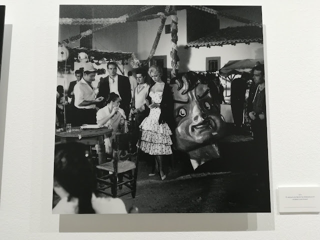 Brigitte Bardot en fiestas de pueblo en Málaga blanco y negro