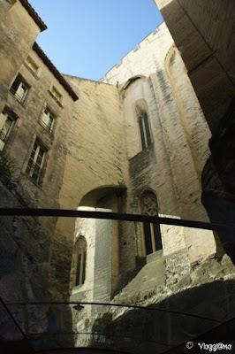 Scorci caratteristici tra le vie di Avignone