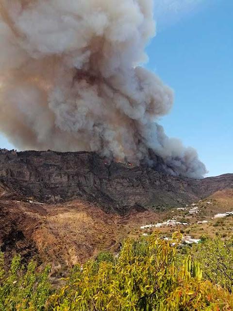 Última hora incendio forestal Valleseco
