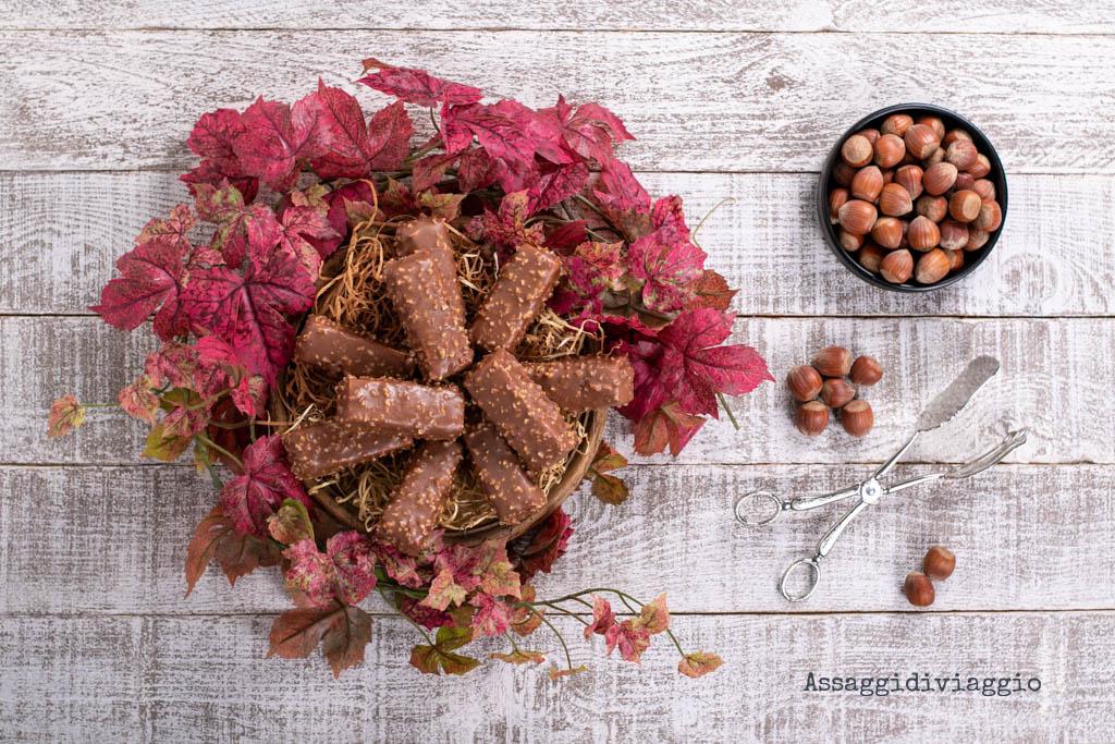 Barrette cremose con glassa rocher al burro di cacao