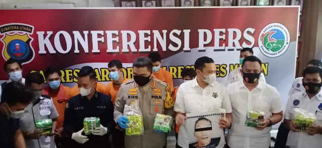 Satres Narkoba Polrestabes Medan Ringkus Gembong Narkoba Jaringan Internasional, 1 Ditembak Mati.