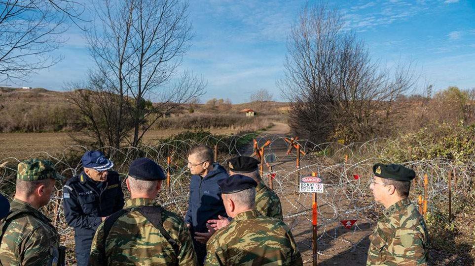 Μεταναστευτικό: Συρματοπλέγματα και κοινές περιπολίες Στρατού-Αστυνομίας στα σύνορα