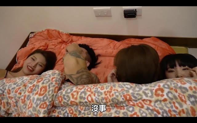 Làm thử thách chung giường với 6 cô gái liên tục 'ngọ nguậy' khiến 2 anh chàng Youtuber không chịu nổi áp lực đến phút cuối cùng