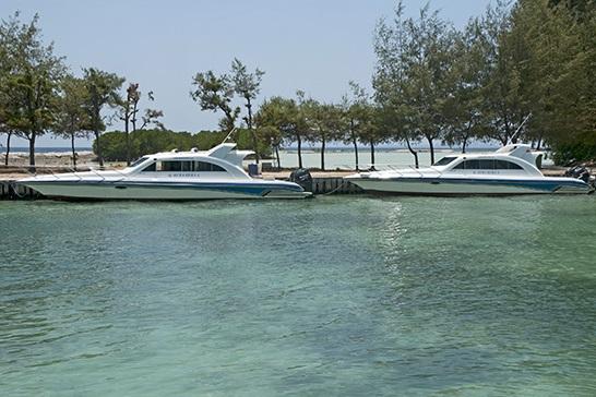 speed boats kura kura resort