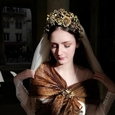 Tiare Anastasia D'Ors et de Soie