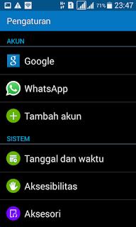 masuk ke pengaturan android kamu, lalu cari menu akun > Google