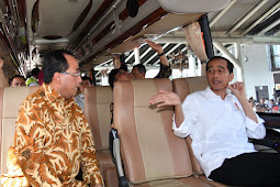 Saat para Wartawan Berikan Kejutan untuk Presiden Jokowi