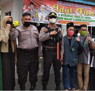 Kegiatan berbagi takjil dan Masker PAC IPNU-IPPNU Tarogong Kaler