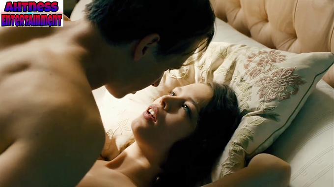 Paula Beer nude sex kissing  scene  -  Combination (2020) HD 720p