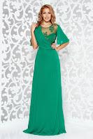 Rochie verde de ocazie lunga in clos din voal cu aplicatii de dantela