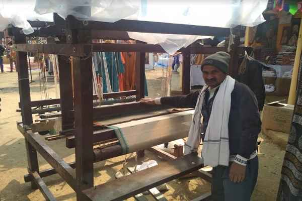 surajkund-mela-first-day-very-less-customers-came-to-purchase-items