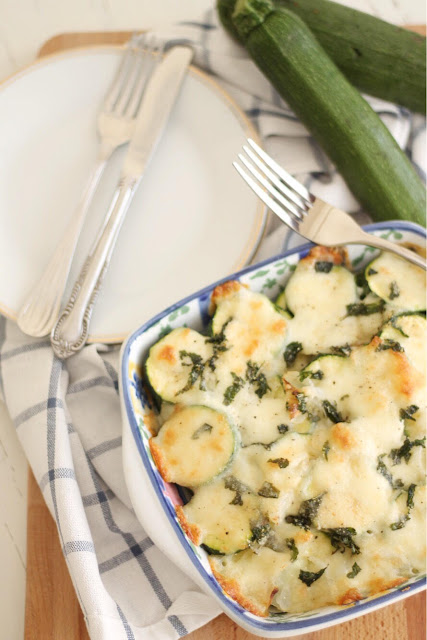 Zucchine al forno con mozzarella e menta