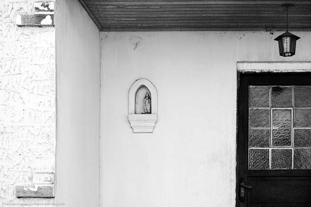 Casa na Rua São Sebastião - detalhe capelinha