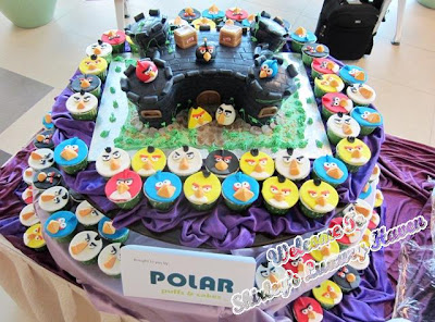 angry birds polar cupcakes, changi airport
