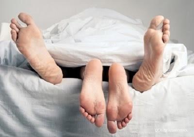 Bahaya Berhubungan Intim Saat Terkena Kutil Kelamin
