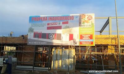 valla de publicidad en Tarragona