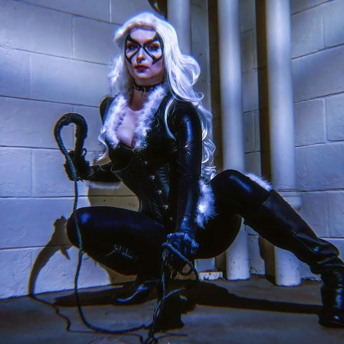 Megancosslay con su cosplay de Black Cat