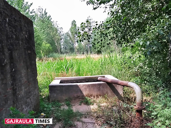 village-tube-well-pics